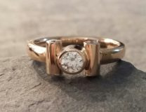 Ring in 585 Rosegold mit Brillanten