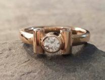 Ring in 585 Rosegold mit Brillanten